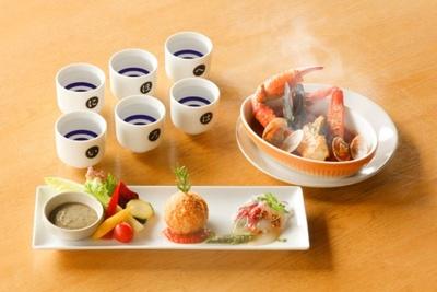 カニを楽しみたいなら人気旅館「佳松苑」グループが創作した「地酒コース」