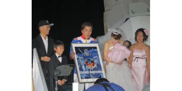 富野監督が登場して会場は大盛り上がり! サイン入りポスターのプレゼントにみんなビックリ!