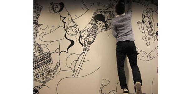 壁面にイラストが描かれていた