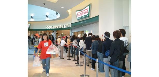 クリスピークリームドーナツはここでも人気!