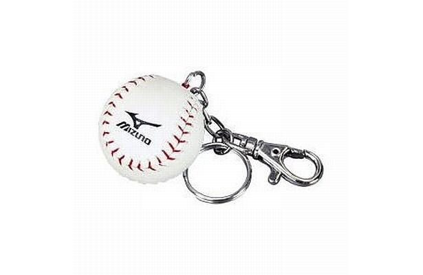 ミニチュア版もかわいい!「硬式ボール型キーホルダー(野球)」(525円)