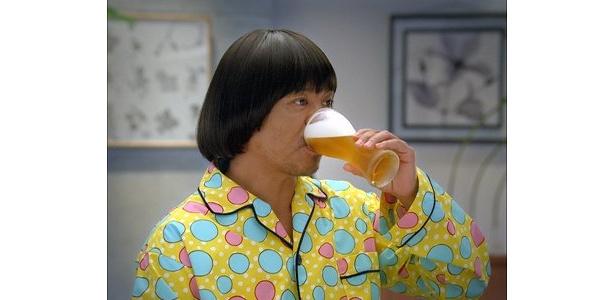 クラッツを食べた後にビールをゴクゴク