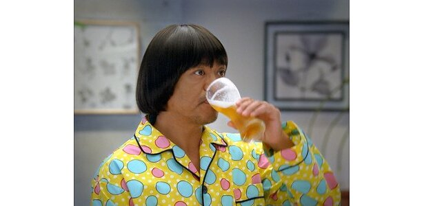 同じペースでビールを飲み続ける松本さん