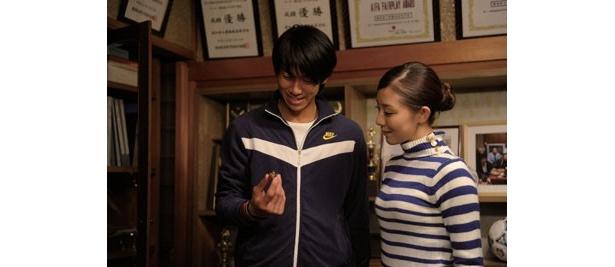 史郎の恋人・陽子は、彼が何を伝えたいのか困惑させられる