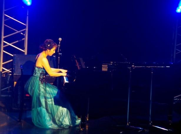 神咲詩織はクラシックのピアノソロを披露