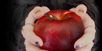 丹精込めて育てられた特別な黒い林檎