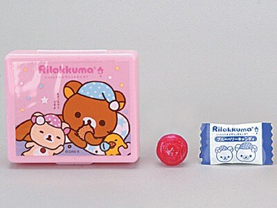 ハートより「リラックマ 夜ふかしキャンディケース」(399円)。キャンディーを食べた後もケースは使えそう