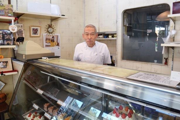 突然の訪問にも、快く取材に応じてくれた稲垣眞澄さん(「ホルン洋菓子店」)