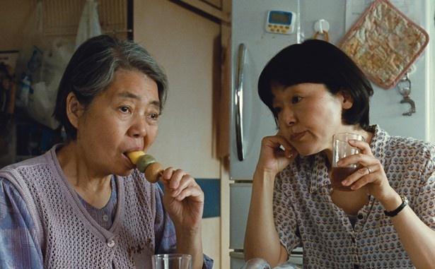 劇中、樹木希林演じる母が食べている3色団子も「新杵 本店」の商品だが、現在は販売していない