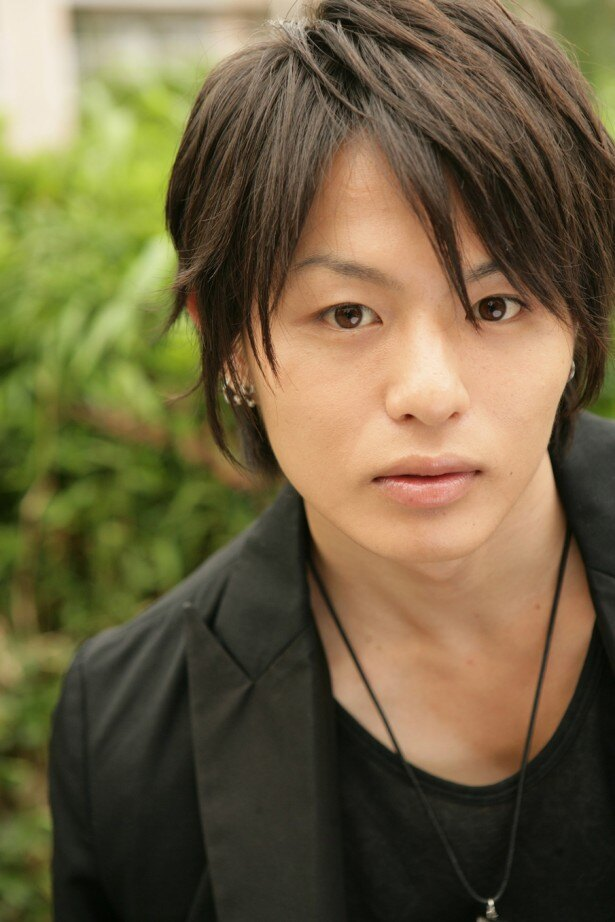 山田裕貴と同じD-BOYSの荒木宏文は「(山田に)敬意を払い、精いっぱい自分の役を努めてまいりたいと思います」と意気込む