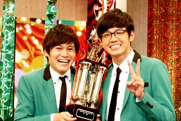 「NHK新人お笑い大賞」で大賞に輝いたトット