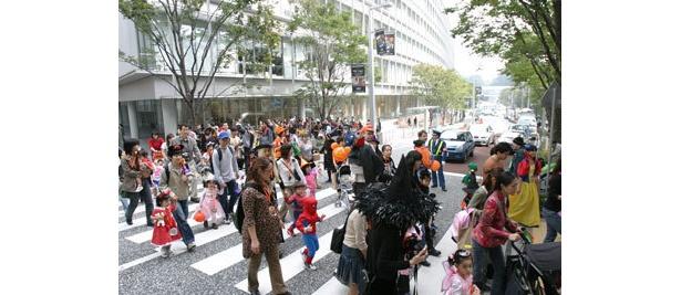 ハロウィンパレードは先着順!