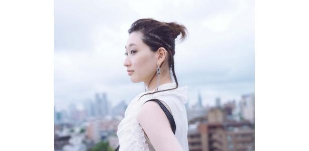 韓国ソウル出身のウニョン。透明感のある歌声に感動!