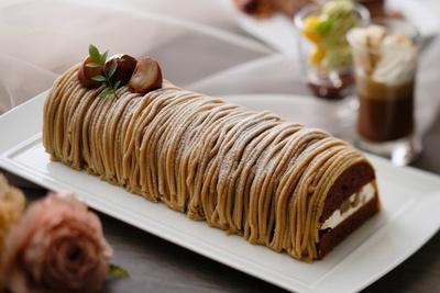 秋らしさが味わえる「モンブランショコラ」も人気