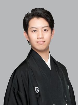 歌舞伎俳優・中村壱太郎はステージに登場