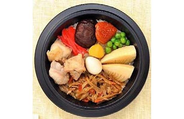鶏肉の旨味を含んで炊き込んだ御飯に、鶏肉、ごぼう、竹の子、椎茸などをトッピング「鶏炊き込み御飯」(9/17(木)発売)