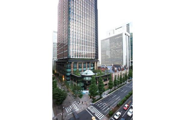 同日には丸の内ブリックスクエアもオープン。新ランドマークになりそうだ