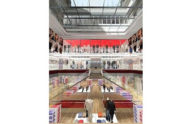海外にも進出!「パリ オペラ店」は約650坪の大型店