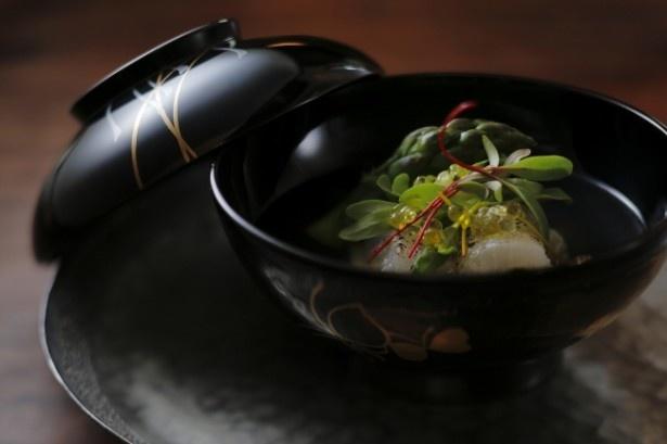 厳選された地元食材だけでなく世界中の上質な食材も愉しめる