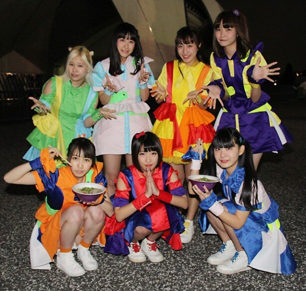 FES☆TIVEが「東京ラーメンショー2016」でライブを行った