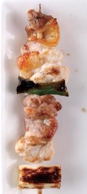 久留米さざなみの地鶏串(150円)が食べられるのは、「南筑ファーム」