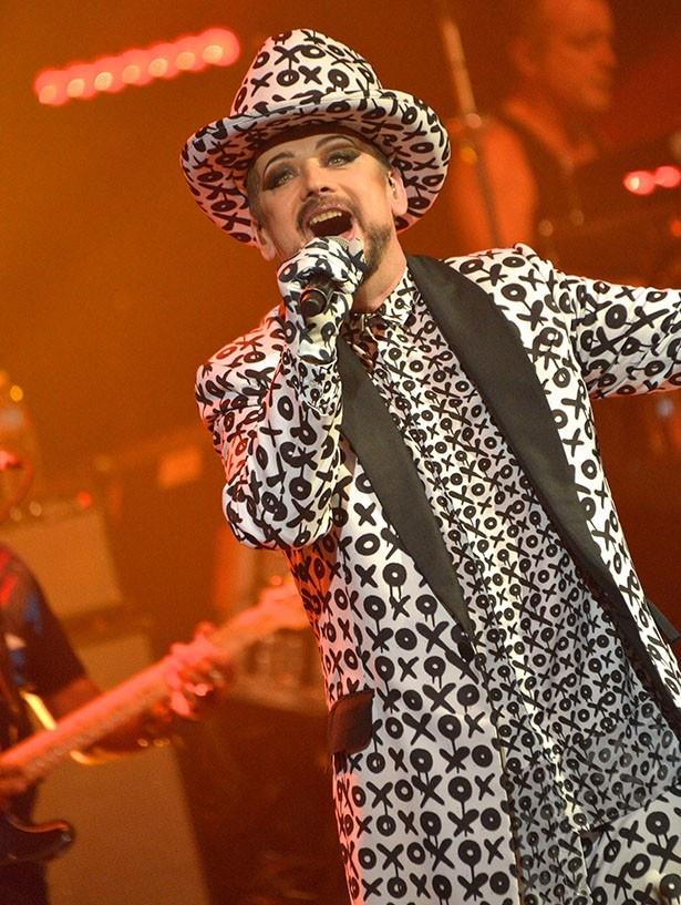 ボーイ・ジョージはバンド、カルチャー・クラブのフロントマンとして知られる