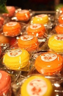 イベント記念で販売されているマカロンは1つ¥100