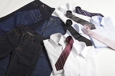 シャツもネクタイも、全部880円という安さ!