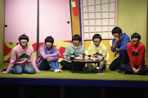 11月1日より、映像配信サービス「dTV」が舞台「おそ松さん on STAGE~SIX MEN'S SHOW TIME~」を独占配信