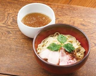 名古屋の人気ラーメン店「汐そば 雫」に限定の絶品つけ麺が登場!