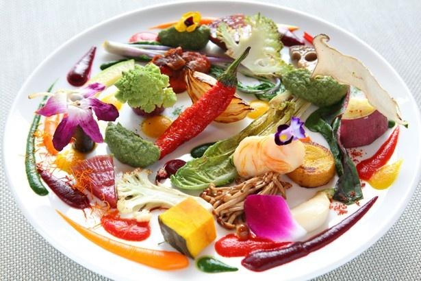 現代風野菜フレンチ、リュミエール大阪KARATOのスペシャリテ「野菜の遊園地」
