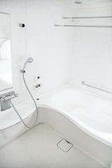 人気掃除ブロガーが伝授!浴室の黒カビを退治するコツ