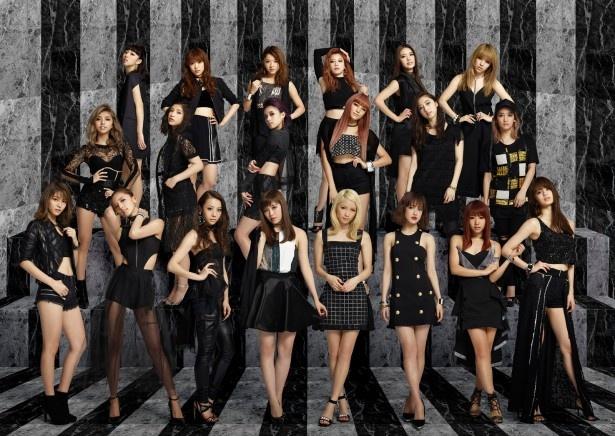 「ベストヒット歌謡祭2016」に出演するE-girls