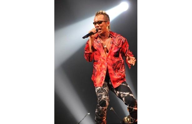 横浜アリーナで大盛り上がりのステージを披露!