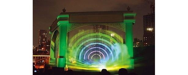 八軒家浜会場のナイトプログラム「水の回廊・時空の架け橋」