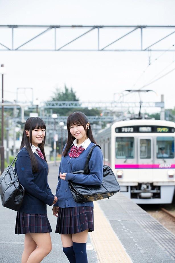 井上喜久子&ほの花が初のW制服姿で共演!
