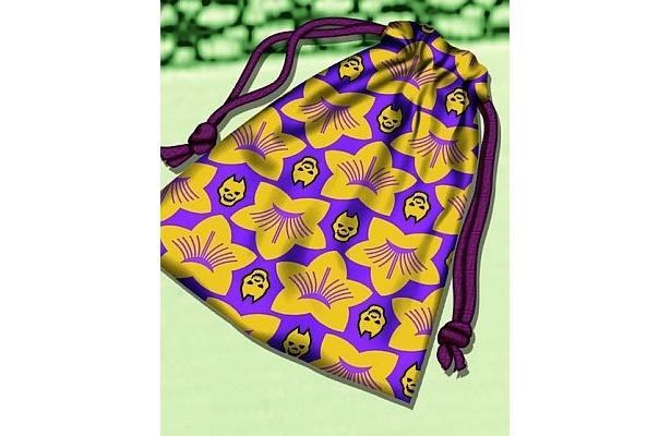 巾着袋は、花札とサイコロを入れるのに便利なサイズ