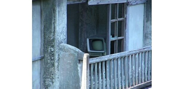 テレビなど、生活用品はそのまま…