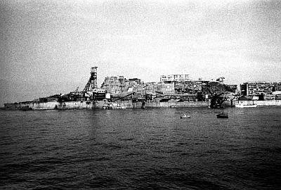 炭鉱でにぎわっていた頃の軍艦島