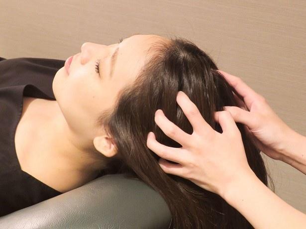 髪を濡らさないため、空いた時間にすぐに受けられる手軽さ