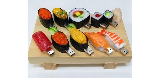 世界的ヒット商品となった「SushiDiskシリーズUSBメモリー」(5980円〜)