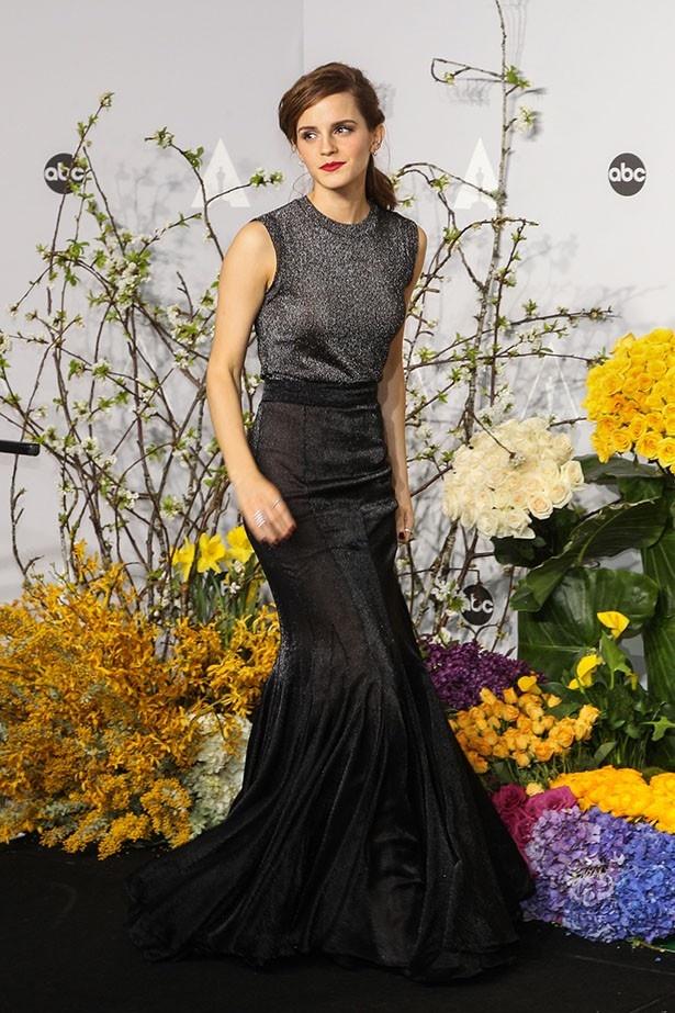 【写真を見る】ナチュラルなスタイルが美しいエマ・ワトソン