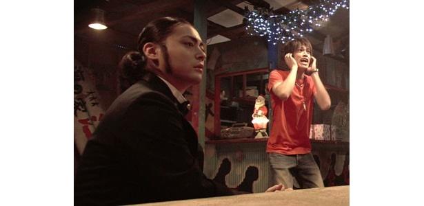 山田孝之も、これまでにないほどの怪演を見せる