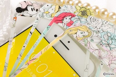ディズニーキャラクターのデザインをモチーフにした「iPhone 7/6s/6専用 ディズニーキャラクター/プレミアムガラス9H ラウンドエッジ強化ガラス 液晶保護シート 0.33mm」(税抜1944円)