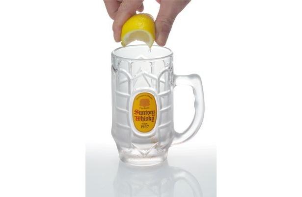"""レモンを絞った""""ちょいしぼ""""を缶で実現!"""