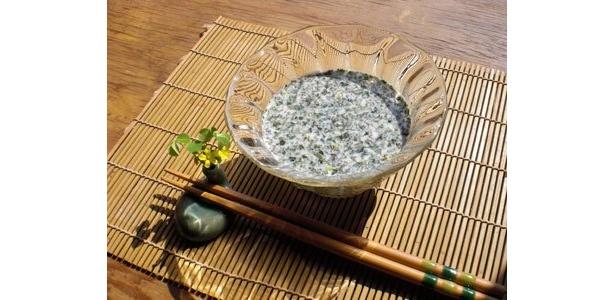 モロヘイヤの豆乳スープ。 冷やしていただきます。