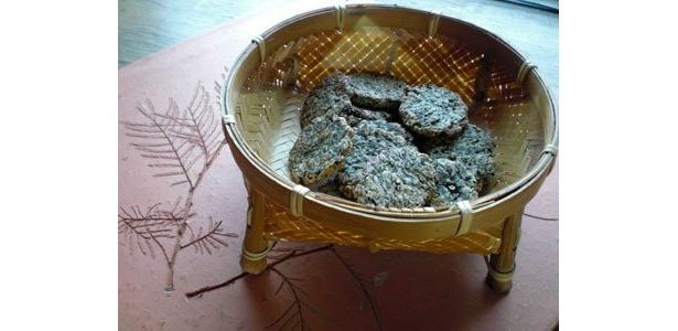 モロヘイヤクッキー。 見かけと違っておいしい。