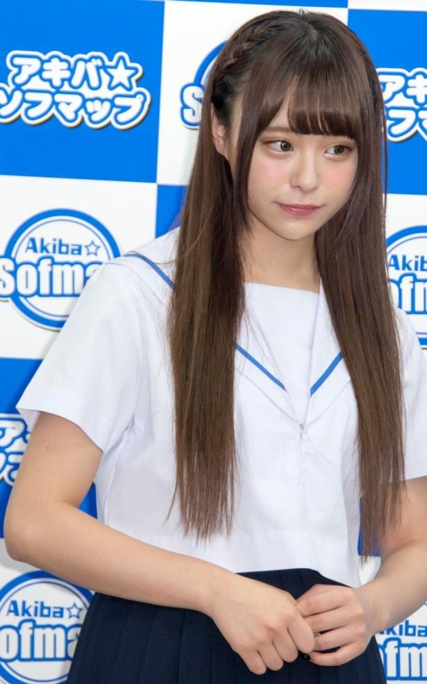 アイドルグループ「マジカル・パンチライン」のリーダーとして活躍する佐藤麗奈
