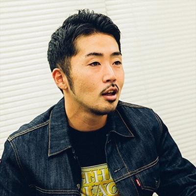 CDジャケット、雑誌などのさまざまな媒体にイラストレーションを提供する上岡拓也が9月担当