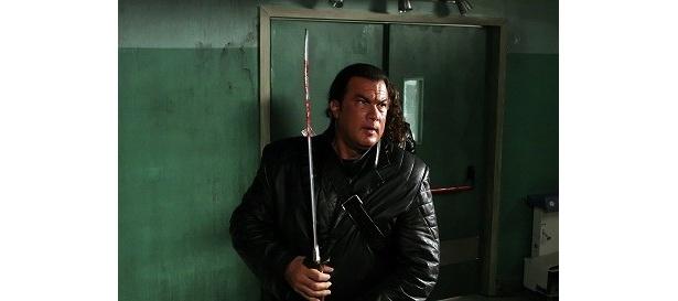 『斬撃 ZANGEKI』のセガールは斬って斬って斬りまくる!
